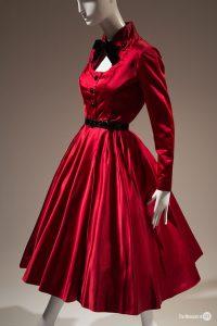Silk_satin_dress_by_Jacques_Fath